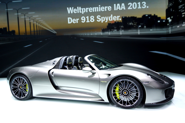 Porsche 918 sets sub,7 minute Nurburgring lap record , Total 911