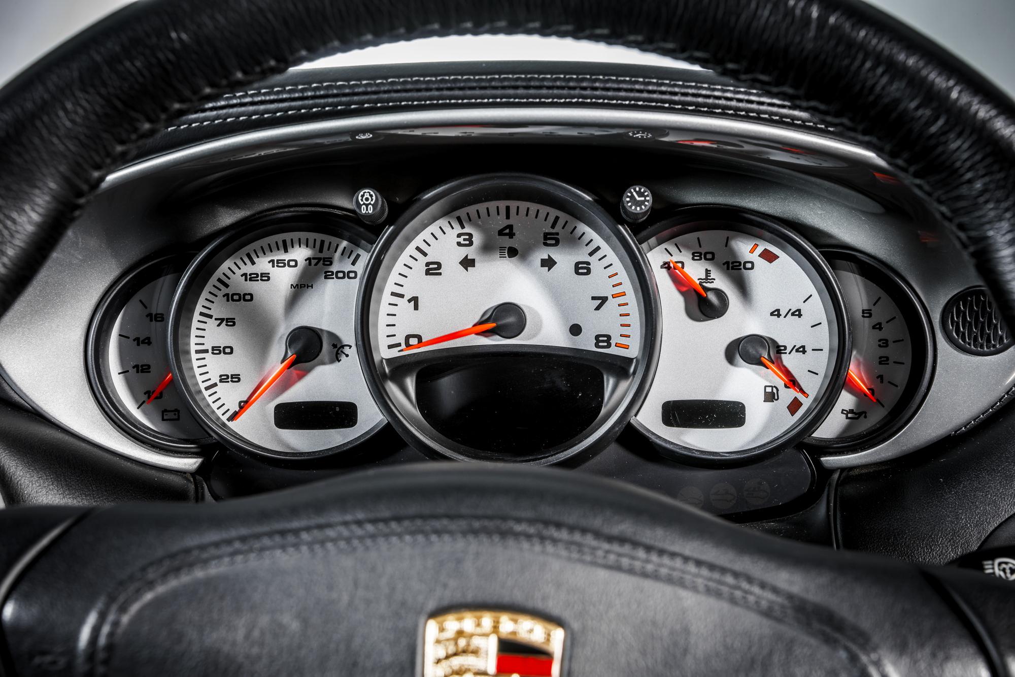 Porsche 996 GT2 dashboard