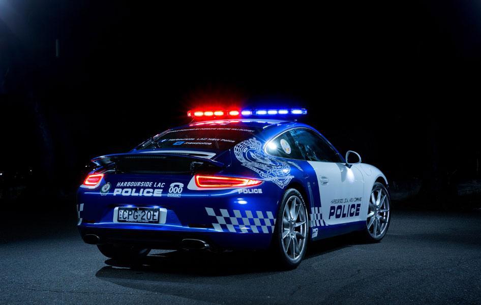 Polica 911 rear