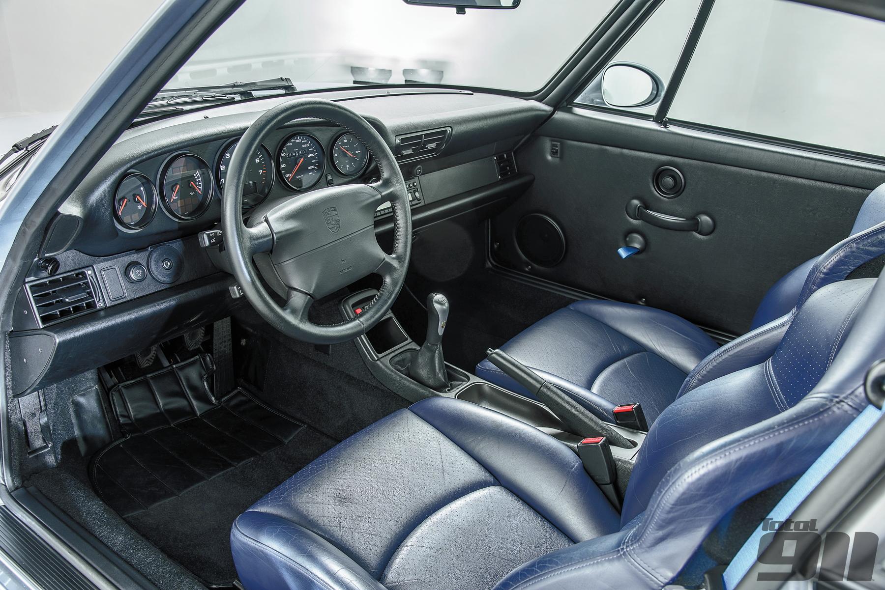 Porsche 993 GT2 interior