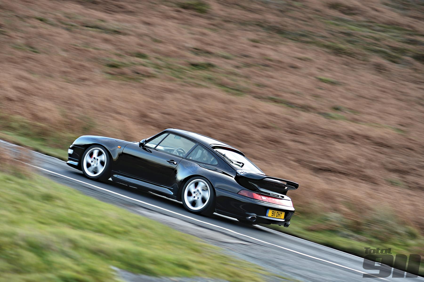 Porsche 993 C4S driving