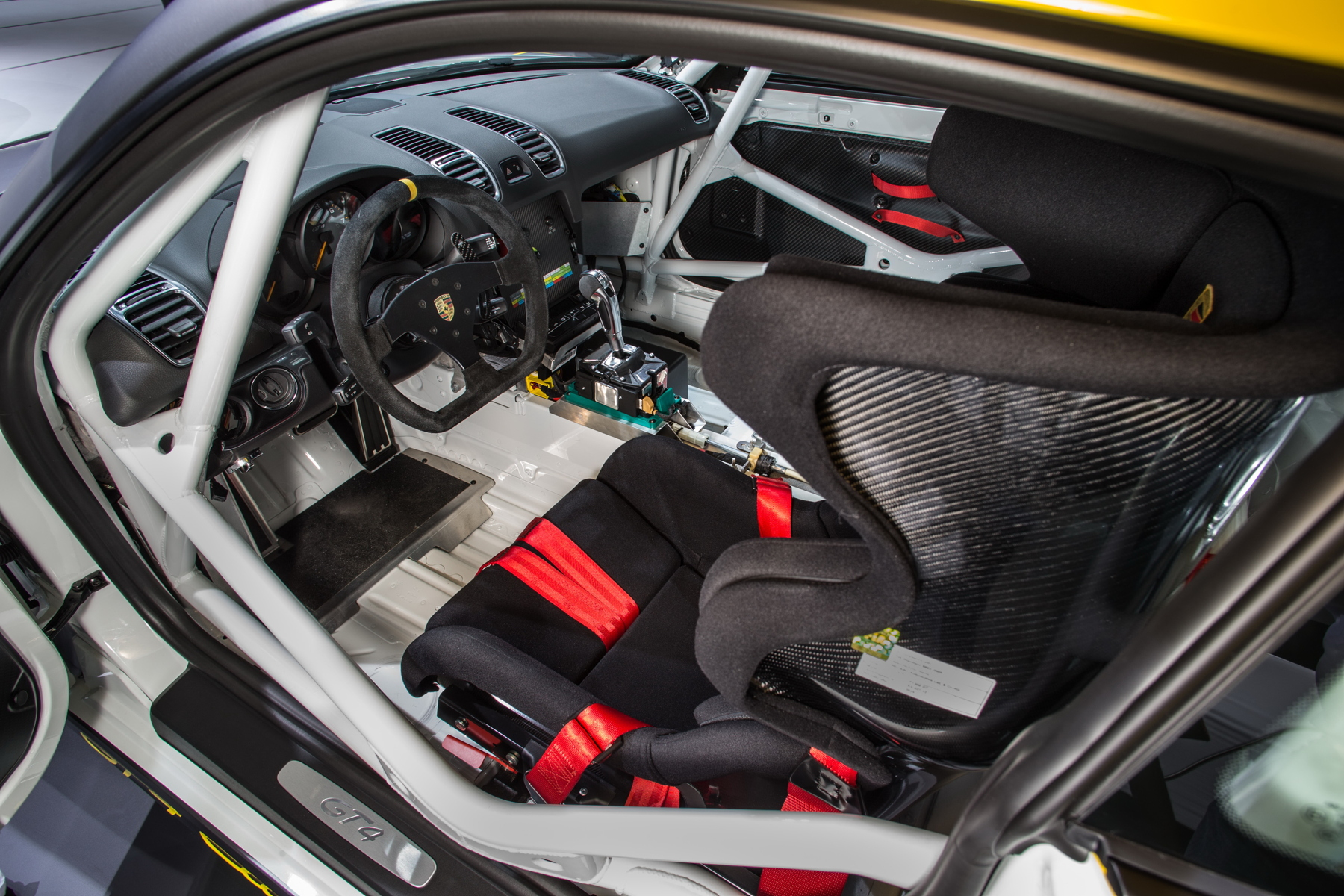 Cayman GT4 CS interior