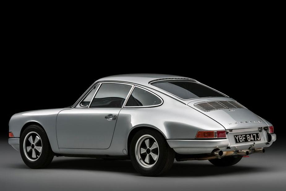 911-tr-rear