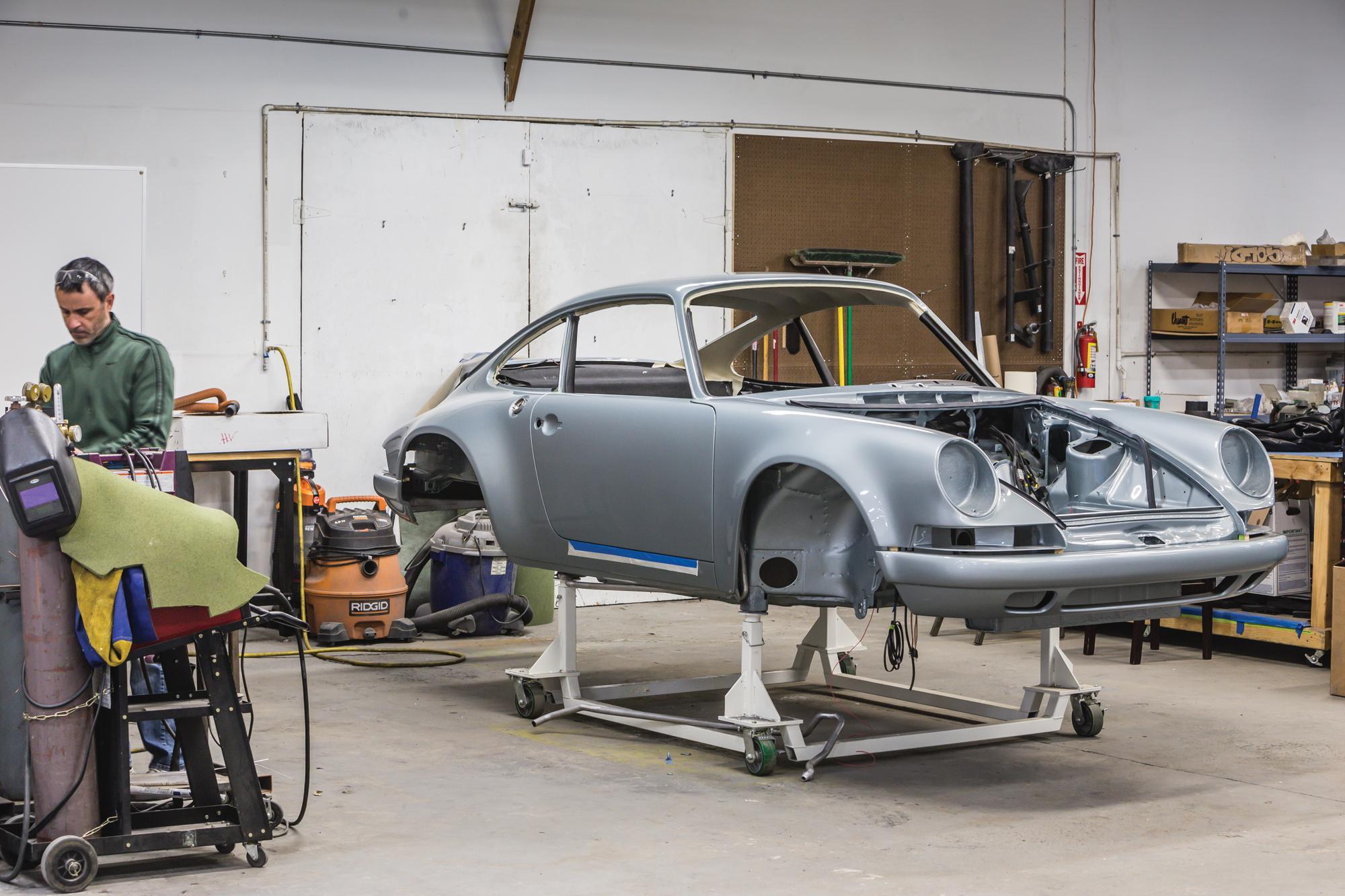 Singer Vehicle Design bodyshell