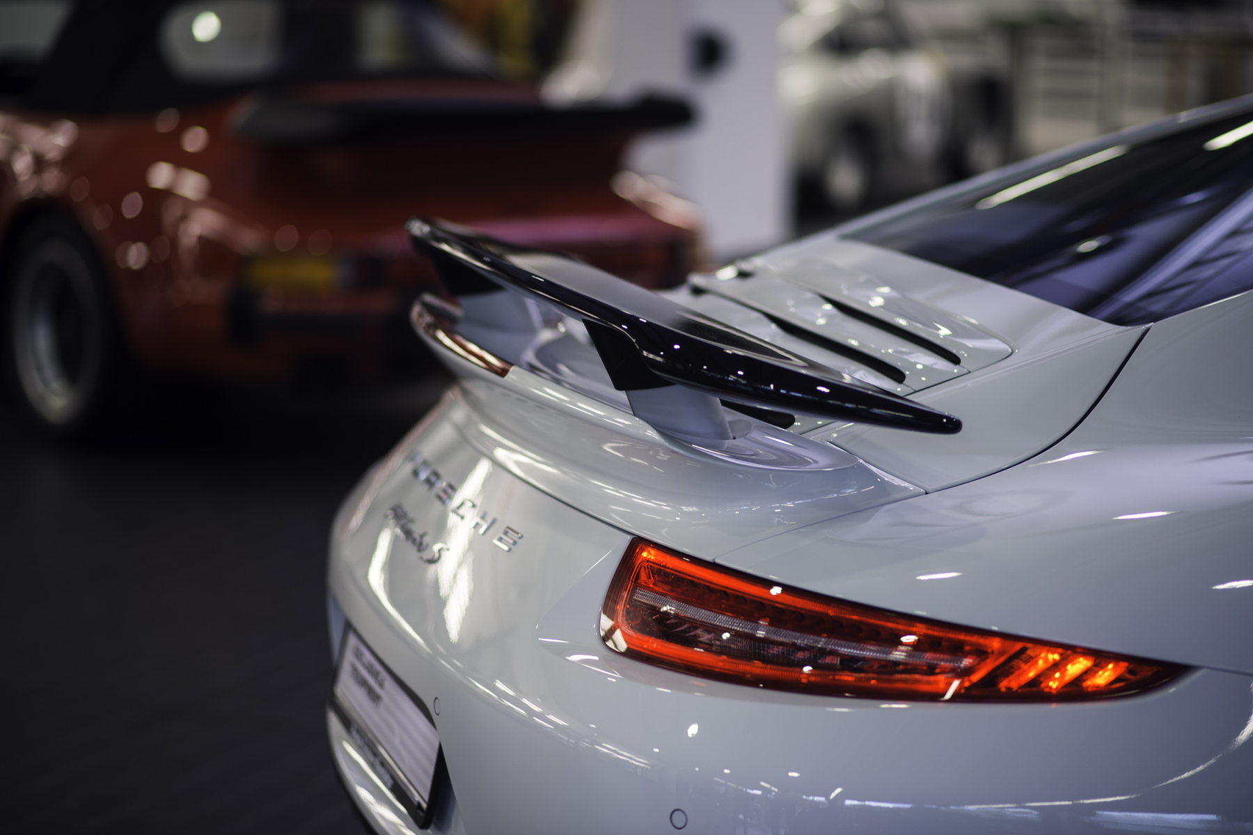 911 Turbo S GB Edition wing