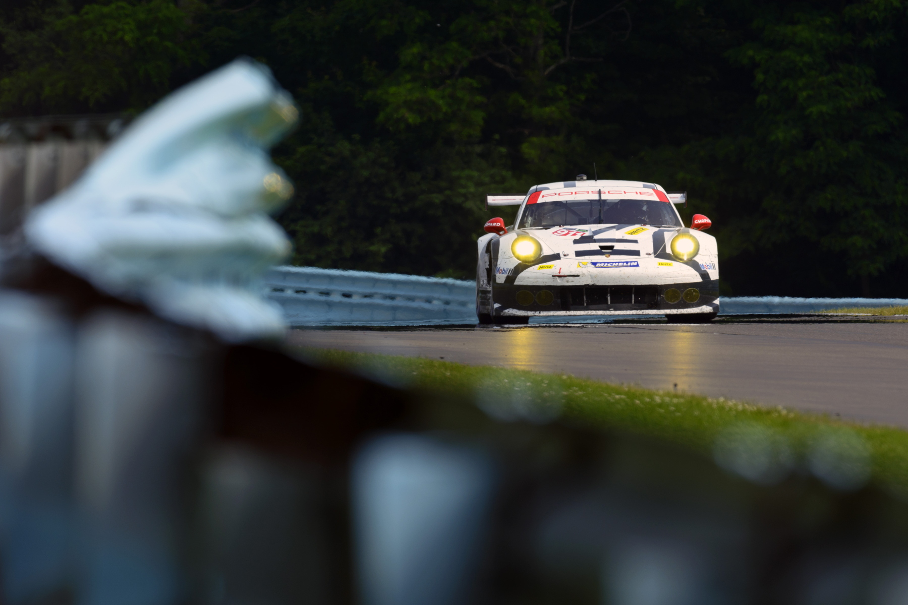 Even when one 911 RSR ran into difficulties, the other car would invariably perform well...