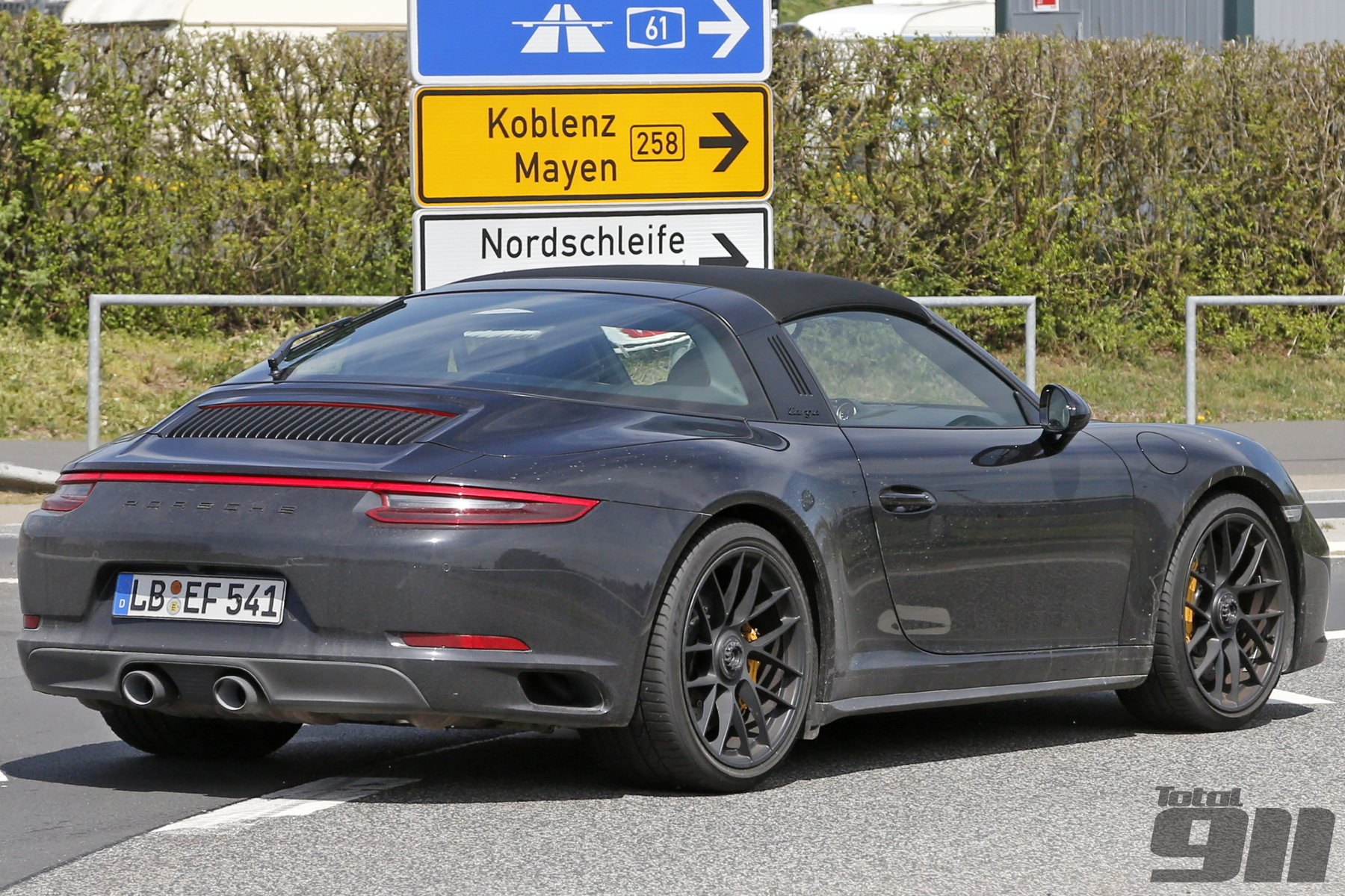 exclusive porsche 991 2 targa gts spied at n rburgring. Black Bedroom Furniture Sets. Home Design Ideas
