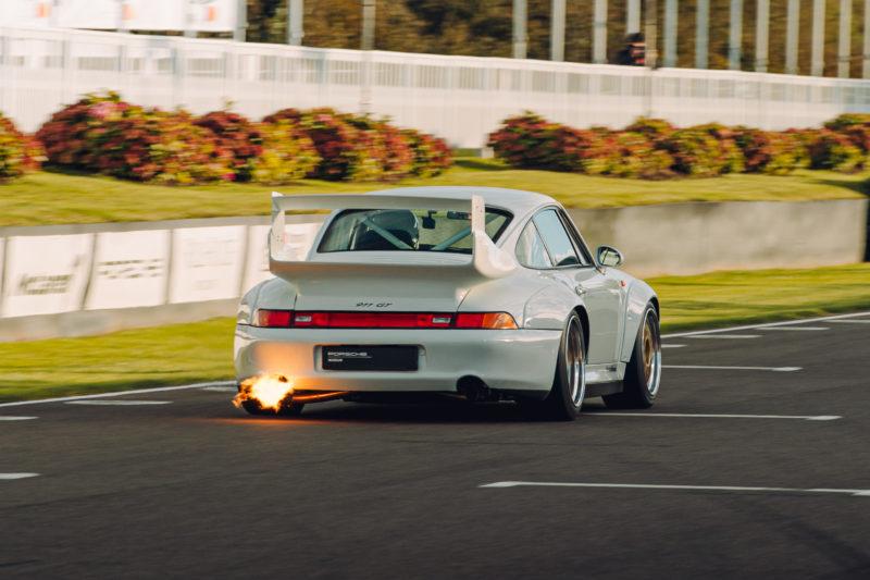 Porsche 993 GT2 R: driving the speed freak